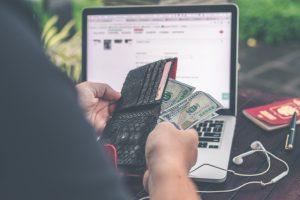 Jak kredytobiorca staje się dłużnikiem