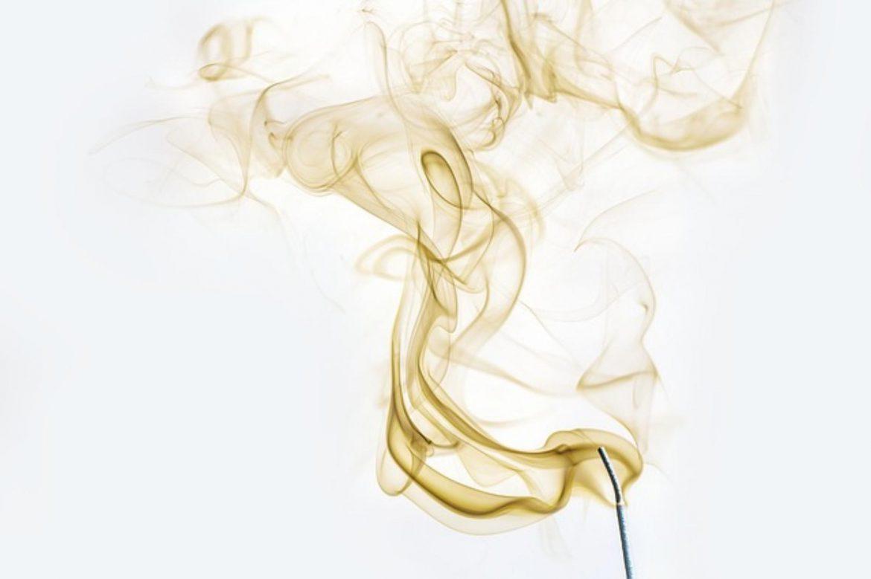 Olejki zapachowe do pomieszczeń – czy warto je stosować?