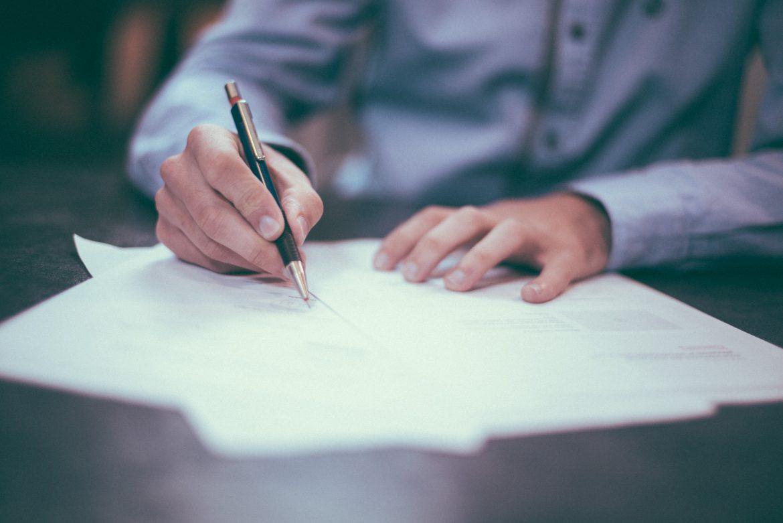 Kiedy przedsiębiorca powinien skorzystać z pomocy prawnika prawa pracy?