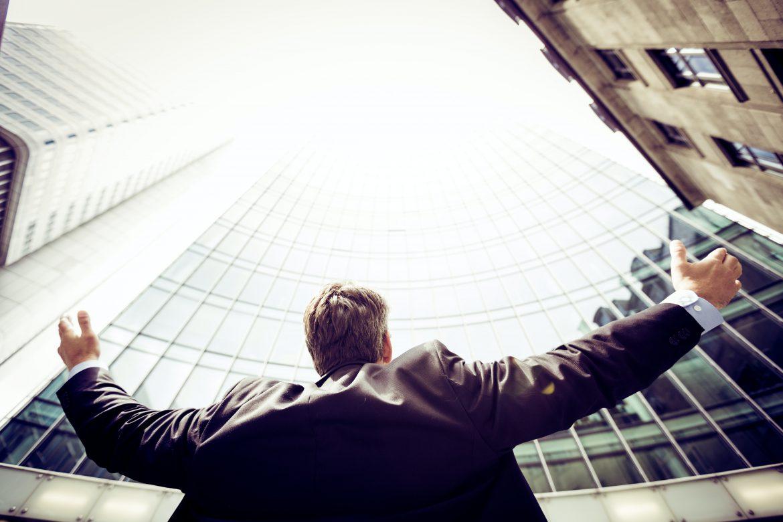 Jak skutecznie usprawnić pracę w dużej firmie?